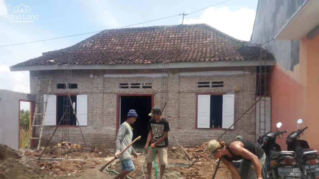 Pengerjaan 1 renovasi rumah di Jl Sumba , dekat PAUD Al Gifari Blitar